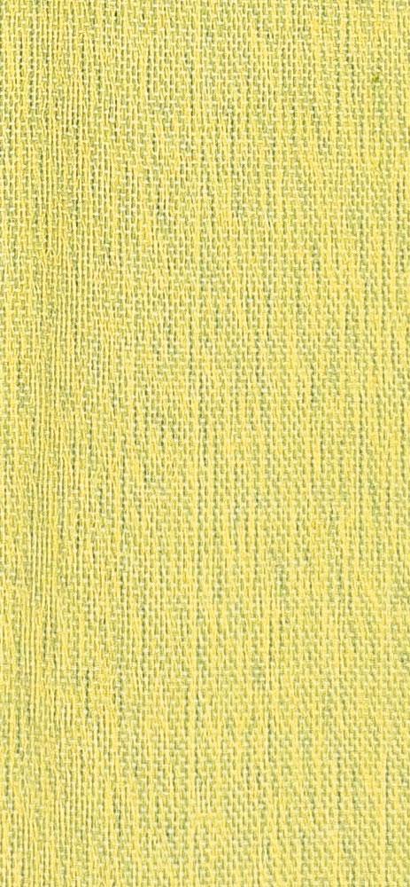 Bufanda de seda en color pistacho claro.