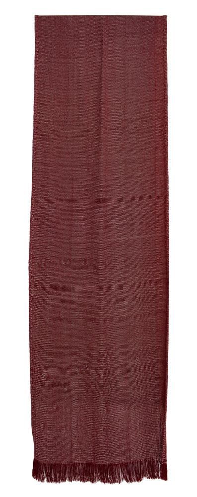 Bufanda de seda en color vino.