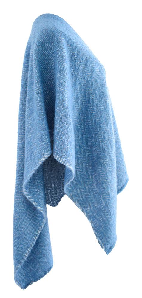 Ruana de lana a rayas.