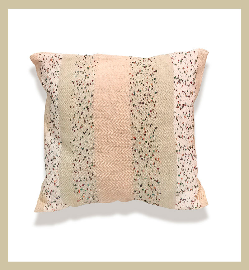 Cojín a rayas de algodón 100% tejido en sarga.